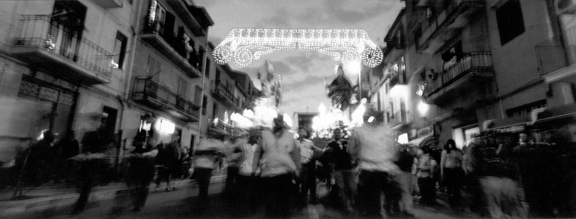"""Corleone, processione di corsa con San leoluca """"patrono"""" e Sant'Antonio"""